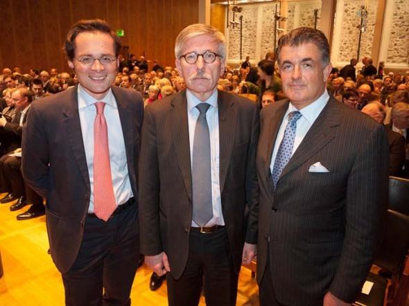 Sind sich einig: Thilo Sarrazin (Mitte) und Roger Köppel (links)