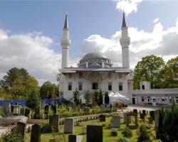 War 2010 vier mal das Opfer von Brandanschlägen: Die Sehitlik-Moschee in Berlin