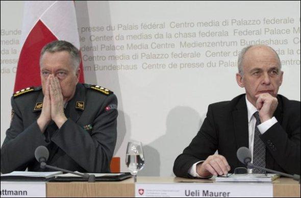 Ungenügender Leistungsausweis: Armeechef Blattmann und Verteidigungsminister Maurer.